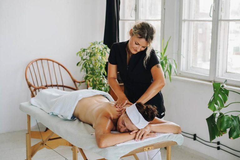 Uwolnij się od stresu dzięki masażowi